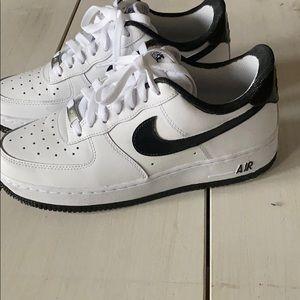 White w/ black custom Nike AF1 Men7/8.5women